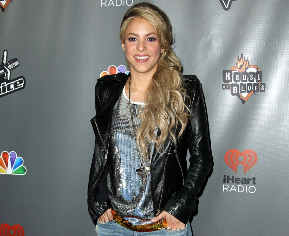 """FILE - In this May 8, 2013 file photo, Shakira arrives at """"The Voice"""" season 4 red carpet event at the House of Blues in Los"""