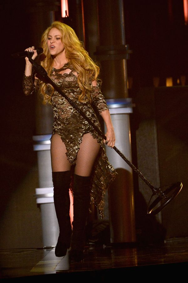 LAS VEGAS, NV - MAY 18:  Singer Shakira performs onstage during the 2014 Billboard Music Awards at the MGM Grand Garden Arena