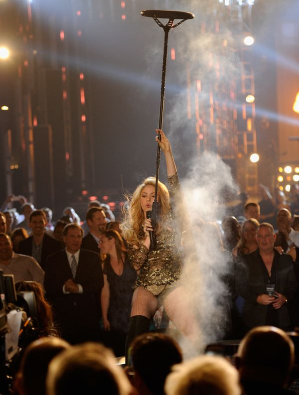 Singer Shakira performs onstage during the 2014 Billboard Music Awards at the MGM Grand Garden Arena on May 18, 2014 in Las V