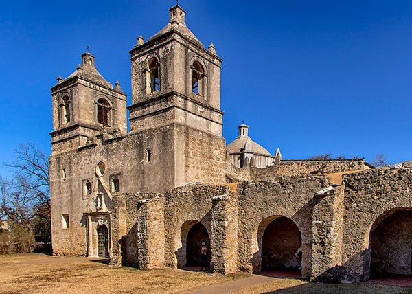 "The <a href=""http://visitsanantonio.com/english/Explore-San-Antonio/Only-in-San-Antonio/The-Alamo/The-San-Antonio-Missions"" t"