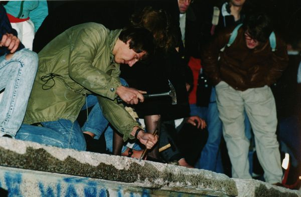 <strong>The Berlin Wall falls, marking the beginning of the end of European communism.</strong>
