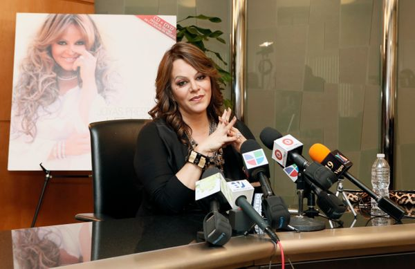 "<a href=""http://articles.mamaslatinas.com/entertainment/114678/how_the_unbreakable_jenni_rivera"" target=""_blank"">""When somebo"