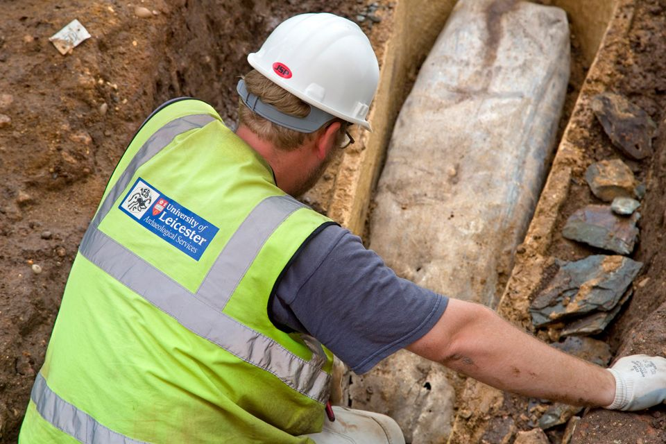 Archaeologists from the University of Leicester lift the lid on a stone tomb at King Richard III's burial site only to discov