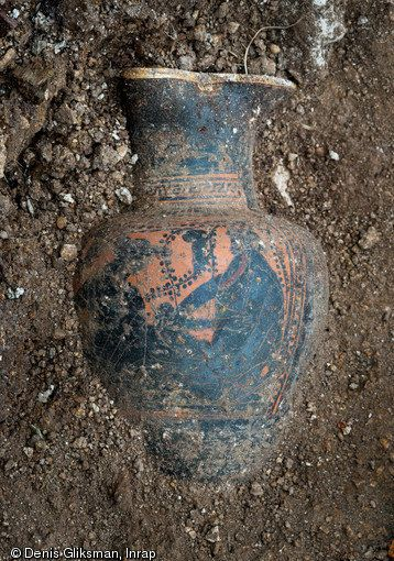 A Greek wine pitcher found at the tomb.