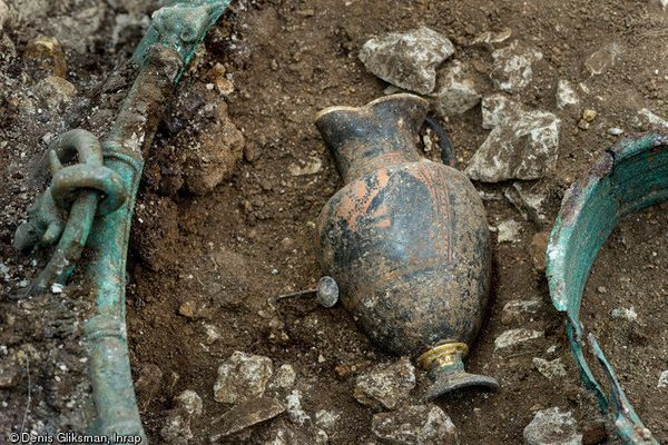 Jug found at the tomb.