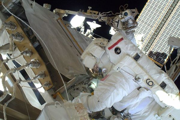 Laying 100' of cable in each of these bags, #AstroButch and I installed them from the lab to new antennas.