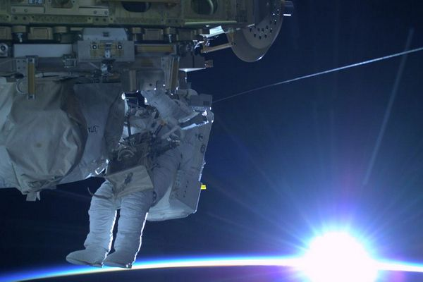 On my way inside at the end of a long and successful #spacewalk- thanks #AstroButch for a great pic!