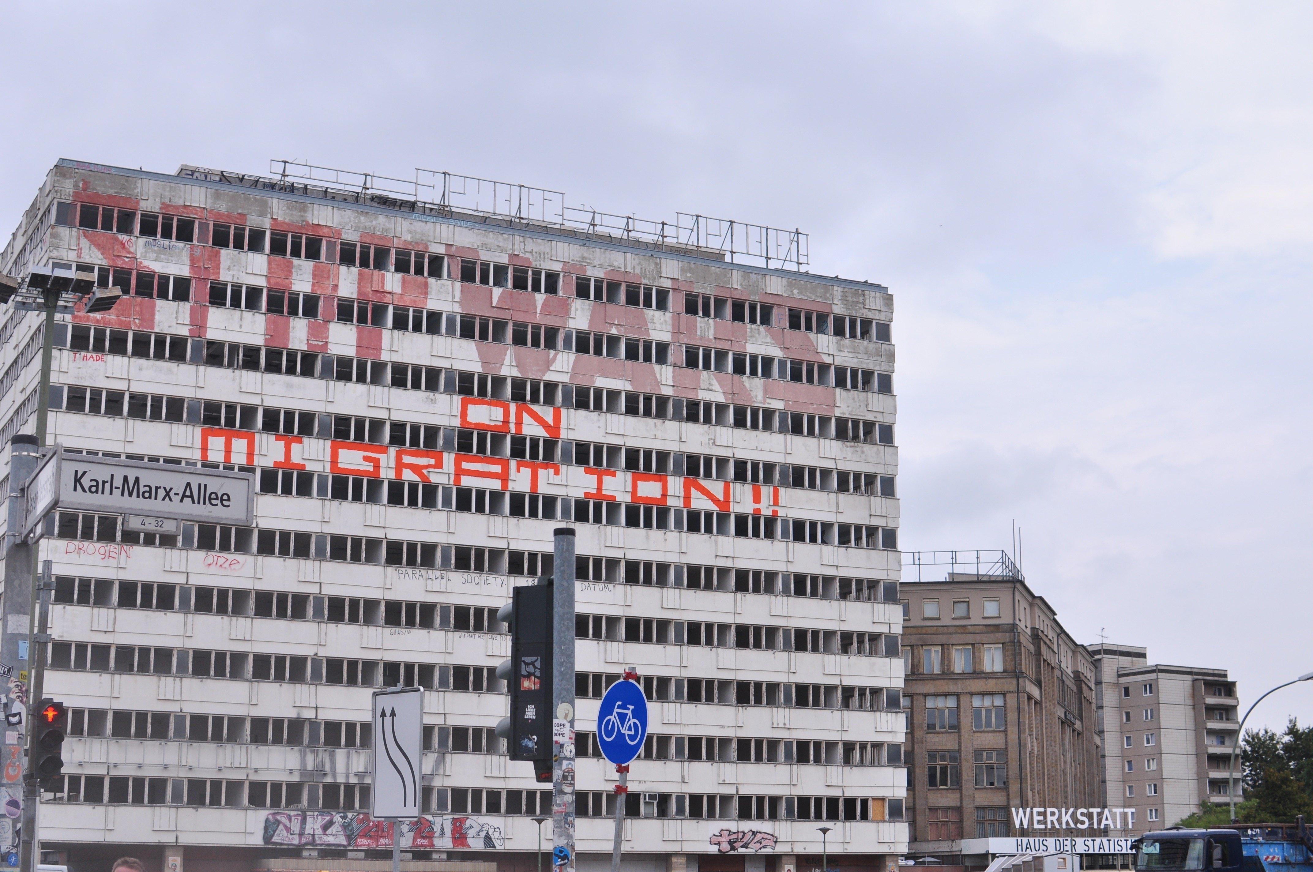 연방정부 통계청 건물로 사용됐던 '하우스 데어 슈타티스티크'는 2008년부터 지금까지 빈 건물로
