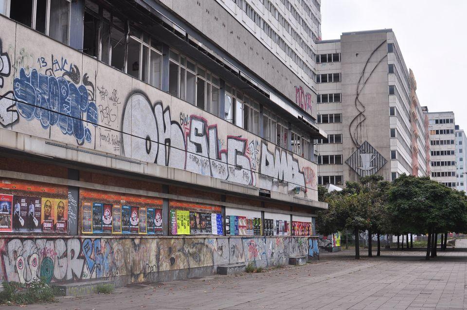 베를린 알렉산더광장 인근 '하우스 데어 슈타티스티크' 벽에 그려진