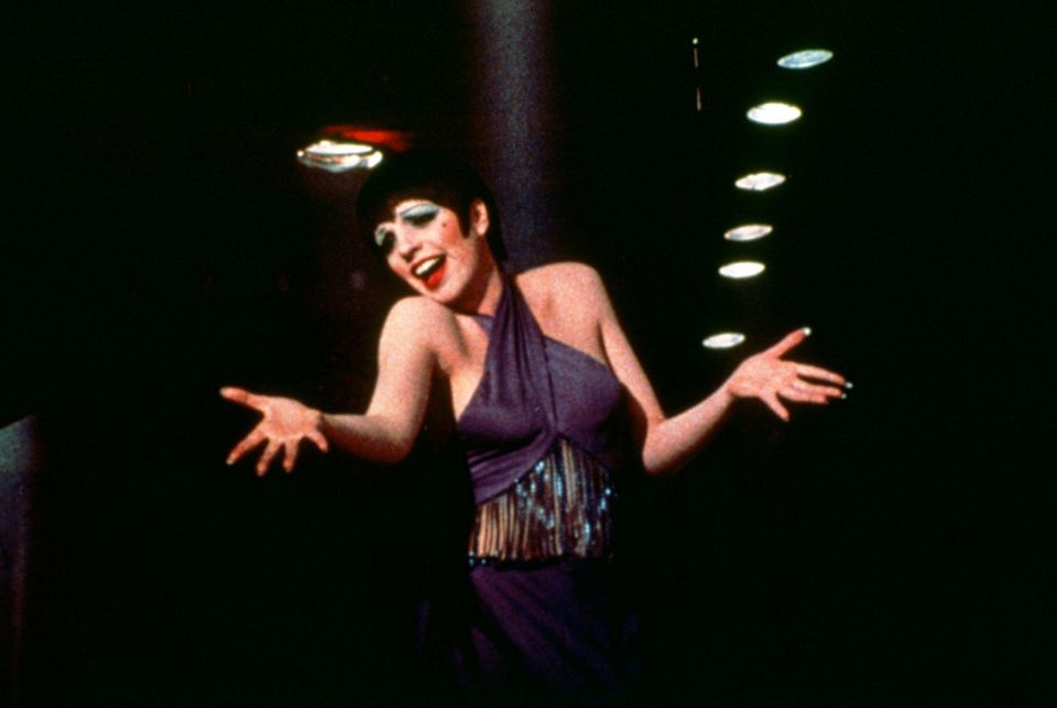 """This 1972 photo released by Warner Bros. Home Video shows Liza Minnelli as Sally Bowles in a scene from """"Cabaret."""" The landma"""