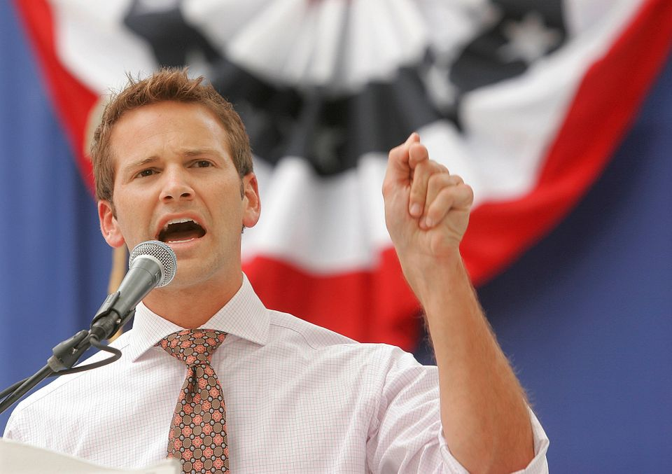"Journalist Itay Hod <a href=""https://www.huffpost.com/entry/aaron-schock-outed_n_4542133"" target=""_blank"">unleashed a wave of"