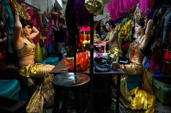 Chinese drag queens get ready backstage before performing at the Chunai 98 club on January 10, 2015 in Nanning, Guangxi Provi