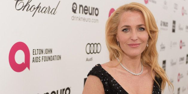 LOS ANGELES, CA - FEBRUARY 22:  Actress Gillian Anderson attends the 23rd Annual Elton John AIDS Foundation Academy Awards vi