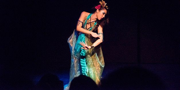 ASSEMBLAGE: Meet Queer Japanese Burlesque Performers Una Aya