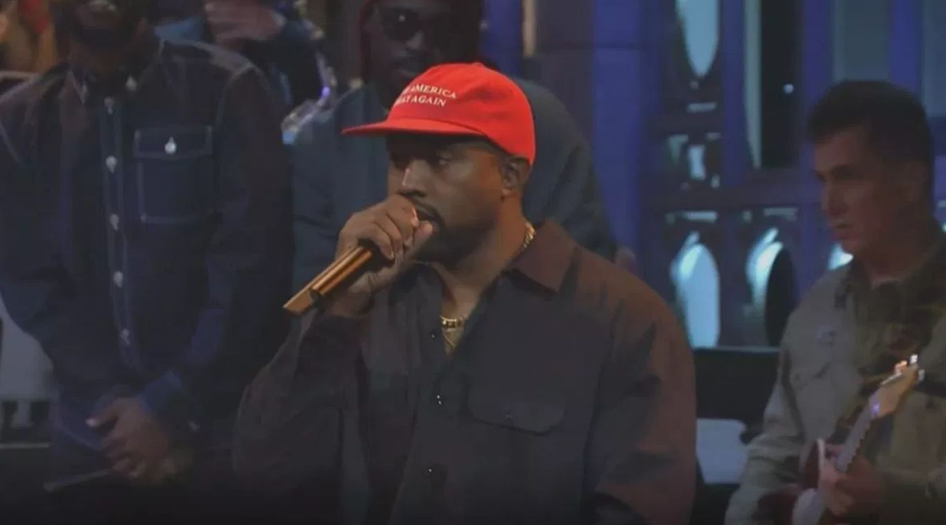 Kanye West Booed At 'Saturday Night Live' After Launching Into Pro-Trump