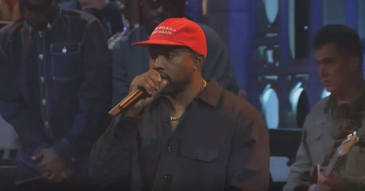 first rate 13e57 47a3a Kanye West Booed On  Saturday Night Live  After Launching Into Pro-Trump  Speech