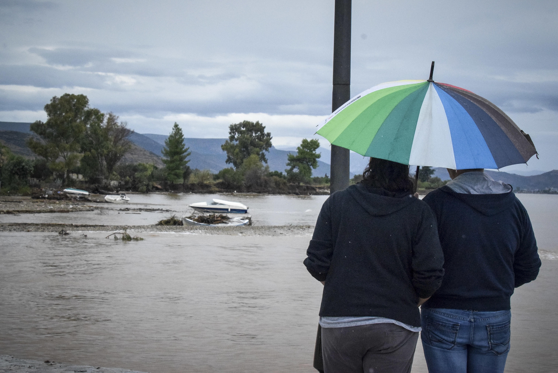 Μεγάλα ύψη βροχής - Εξασθενημένος ο κυκλώνας κινείται