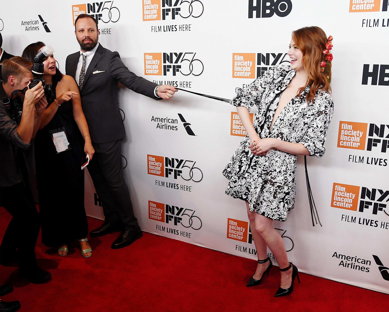 Λάνθιμος και Εμμα Στόουν στην πρεμιέρα της ταινίας «The Favourite» στη Νέα