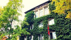 In diesem Haus in Berlin leben Obdachlose und dürfen sich betrinken und das ist gut