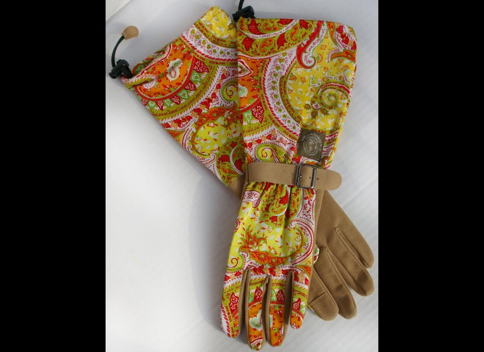 """Every dirt diva needs these fashionista '<strong>Orange Paisley Gloves</strong>' from <a href=""""http://www.Womanswork.com."""" ta"""