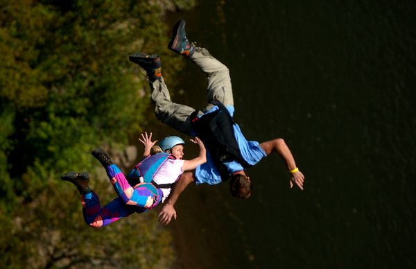 Off the New River Gorge Bridge in West Virginia every October, hundreds of daredevils jump from the 265 meter-high bridge. In