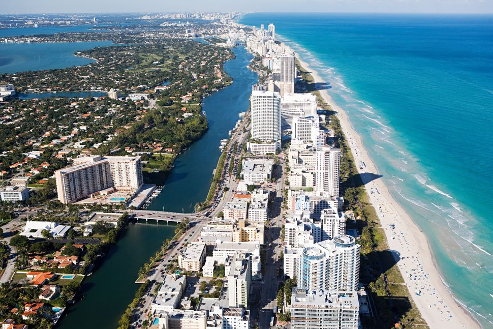 Miami's watersheds appeared to be a relatively good shape in CIRES study and the city didn't appear to be at great risk on th