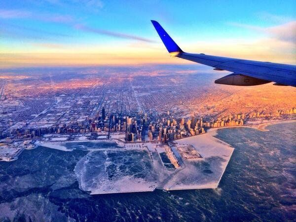 "<a href=""https://www.huffpost.com/entry/frozen-chicago-photos_n_4556767"" target=""_blank"">Learn more about this amazing photo<"