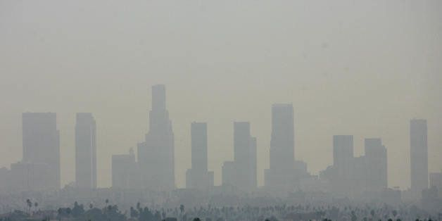 Los Angeles, UNITED STATES:  TO GO WITH AFP STORY: USA-Justice-Environment-Climate (FILES) General view of the air pollution