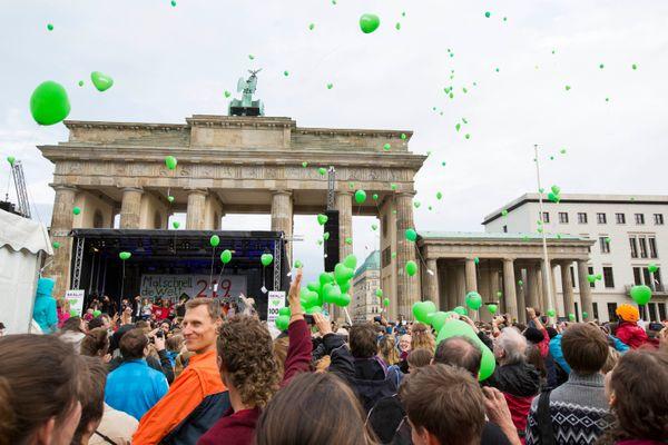 베를린에서 이번 행진에 참여한 사람은 1만5000명으로 추산된다.