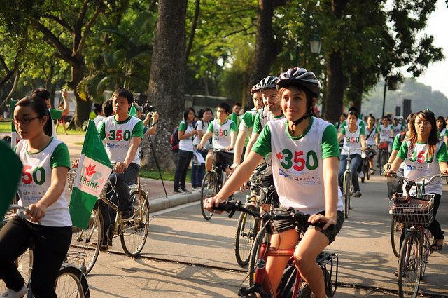 Hundreds of young people joined the bike parade at the Moving Planet Vietnam