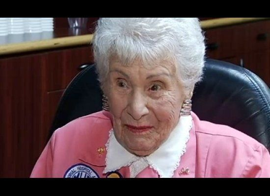 "For her 105th birthday, <a href=""http://www.huffingtonpost.com/2012/02/10/dorrie-aber-noyek-105-yea_n_1267975.html"" target=""_"
