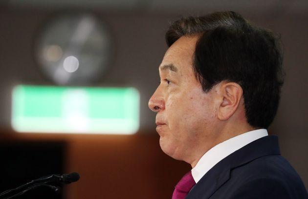 심재철 자유한국당 의원이 30일 서울 여의도 국회 정론관에서 청와대 업무추진비와 관련해 기자회견을 하고