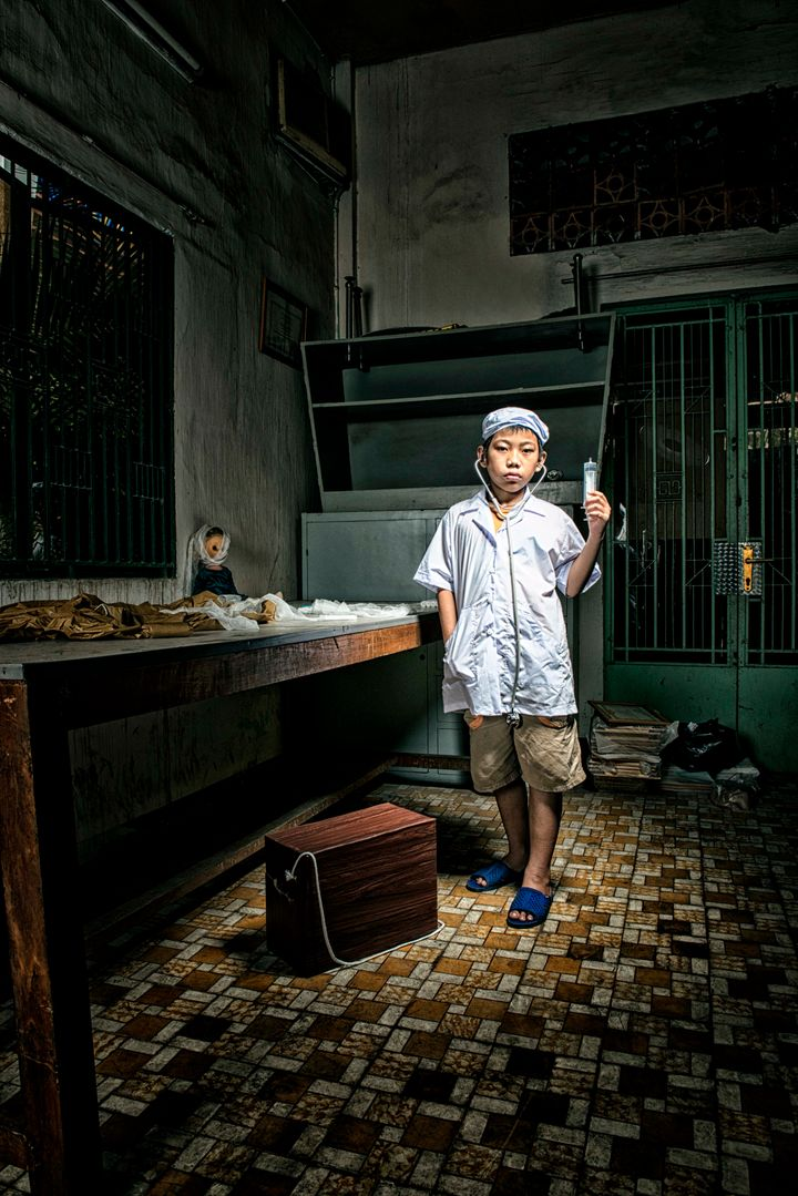 Ho Quang, Vietnamese Photographer, Captures Poor Children's Dreams