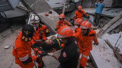 Έκκληση της Ινδονησίας για βοήθεια μετά τον σεισμό και το τσουνάμι με τους 832