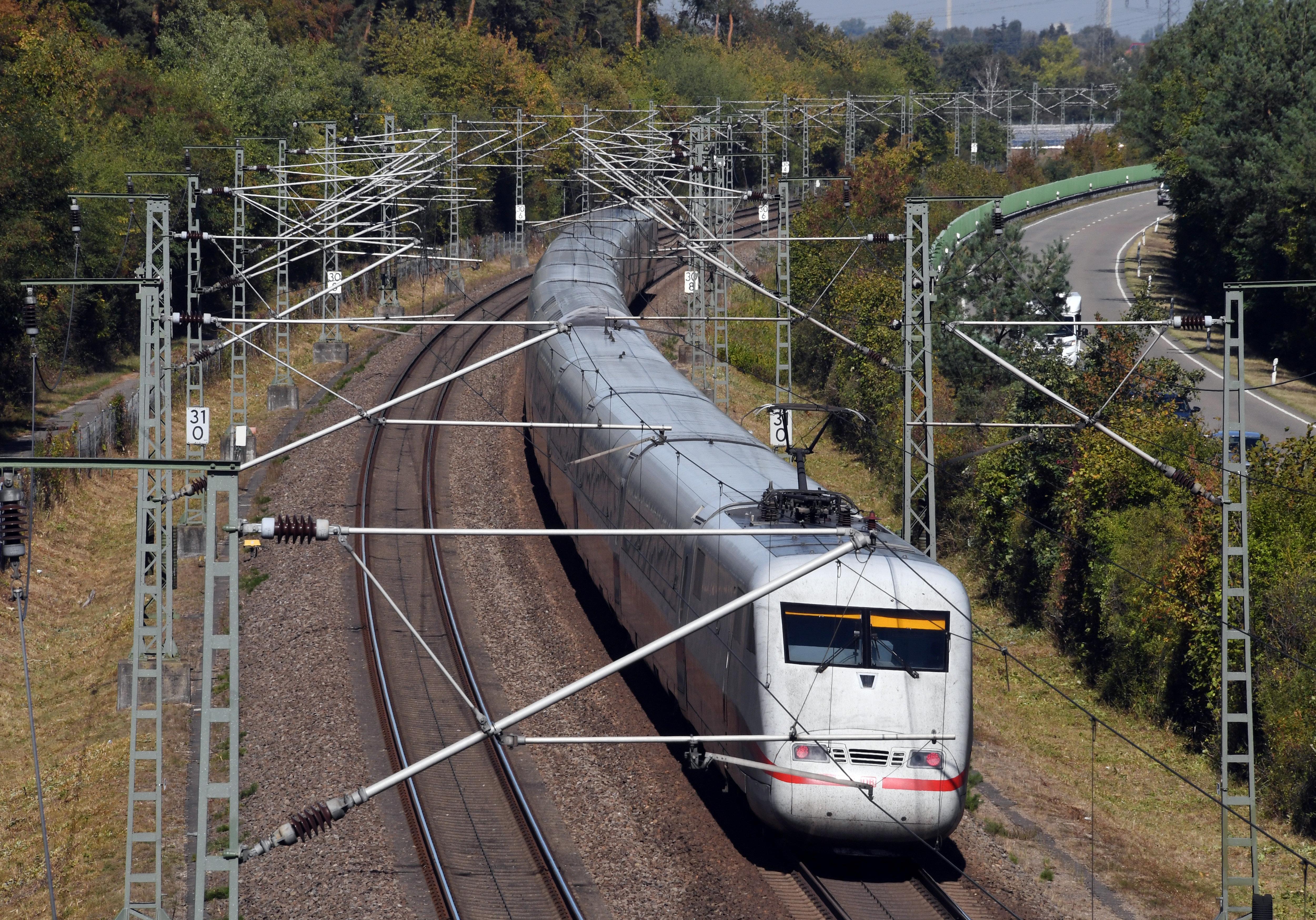 Deutschland: Bahn saniert ab 2019 alte ICE-Routen - monatelange Sperrungen