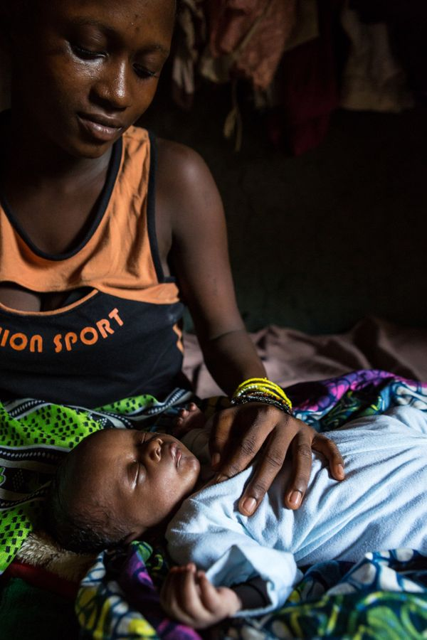 Sixteen-year old Mariama gave birth to her baby on the side of the road in the dark in rural Sierra Leone. She woke up in the
