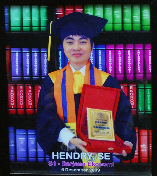 This handout photograph released on July 18, 2014 by the family of Hendry Se, an Indonesian passenger on the crashed Malaysia