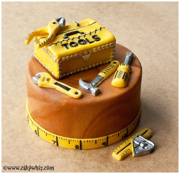 "<strong><a href=""http://cakewhiz.com/fathers-day-tool-box-cake/"" target=""_blank"">Father's Day Toolbox Cake</a> from Cake Whiz"