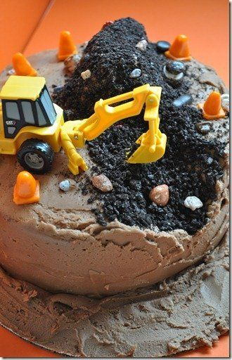 "<strong><a href=""http://fredellicious.blogspot.com/2011/09/my-baby-turns-2.html?spref=pi"" target=""_blank"">Construction Cake <"