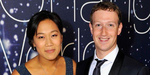 MOUNTAIN VIEW, CA - NOVEMBER 09:  Breakthrough Prize Founders Priscilla Chan and Mark Zuckerberg (R) attend the Breakthrough