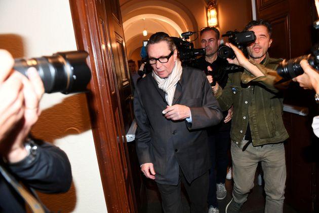 Σκάνδαλο #metoo στα Νόμπελ: Ο Ζαν-Κλοντ Αρνό καταδικάστηκε για δύο