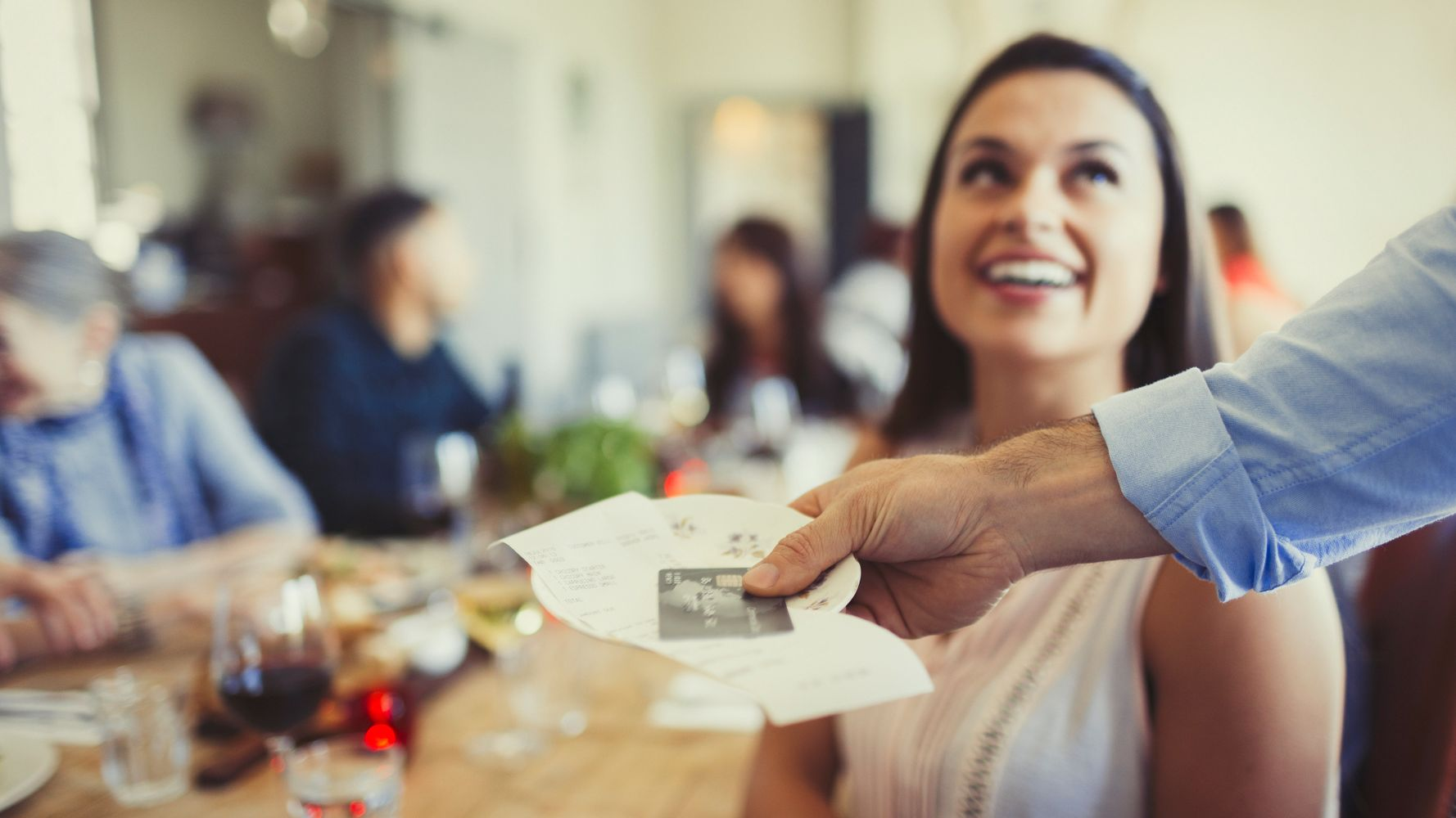 Tipping In The Uk How Much Should You Tip And Where Does