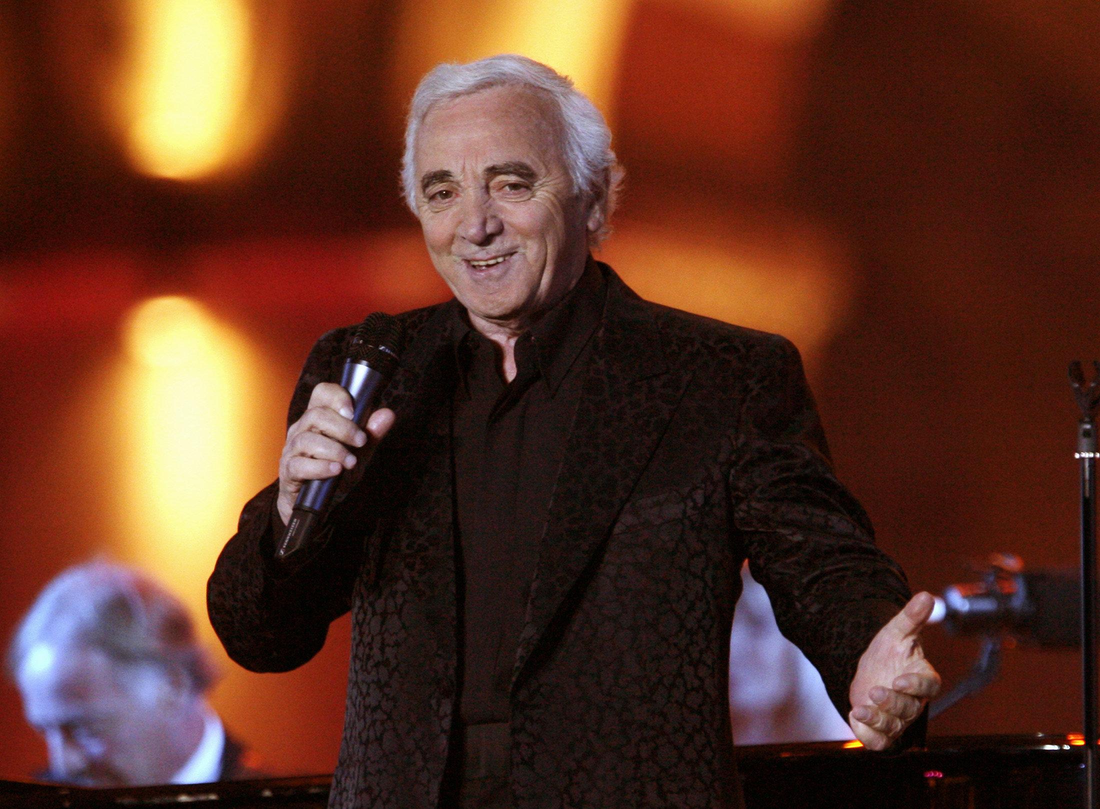 Le chanteur français Charles Aznavour est mort à l'âge de 94