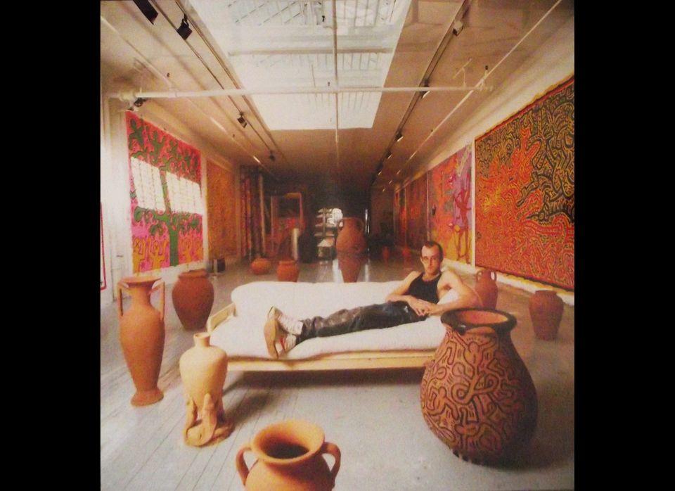 Tseng Kwong Chi, Keith Haring on sofa, 1985   © Estate of Tseng Kwong Chi