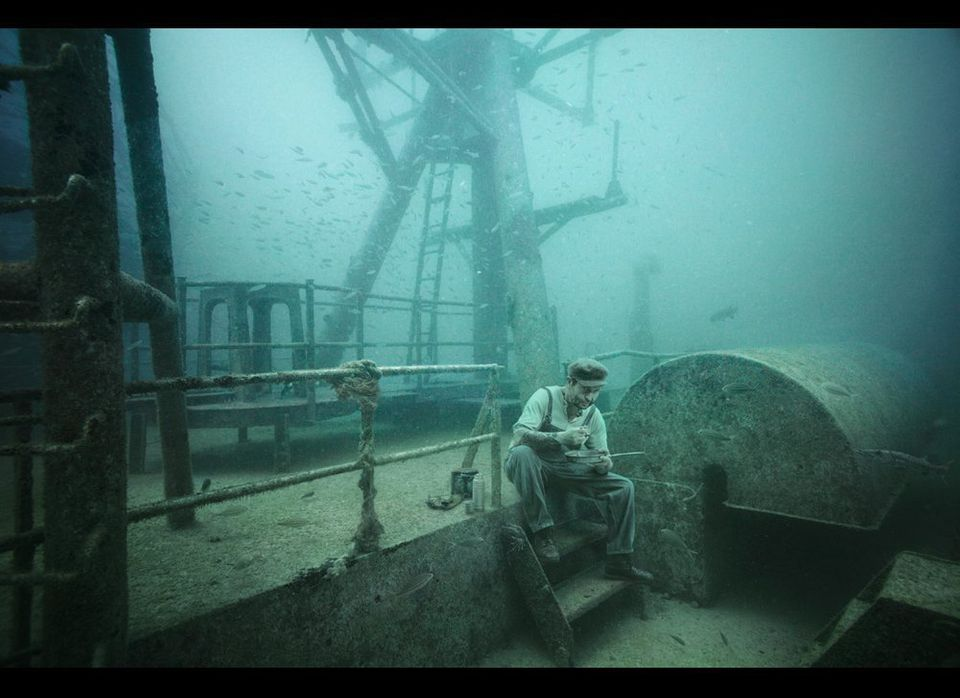 Andreas Franke used a montage of underwater photographs from the sunken Vandenberg together with studio photographs represent