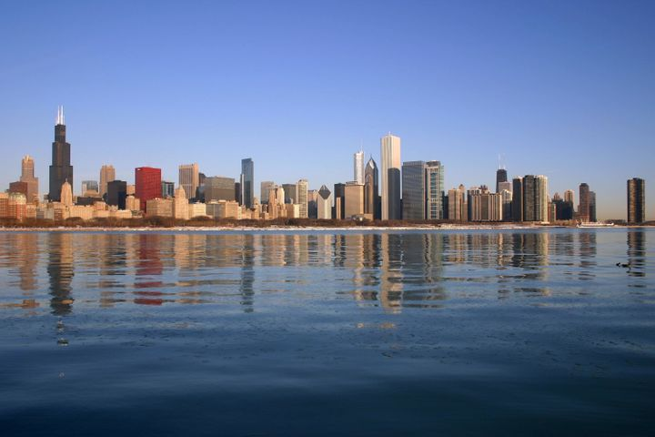 Description Downtown from the lakefront, Chicago, IL, USA | Source J. Crocker | Date 2010-02-19 | Author J. Crocker  | Permis