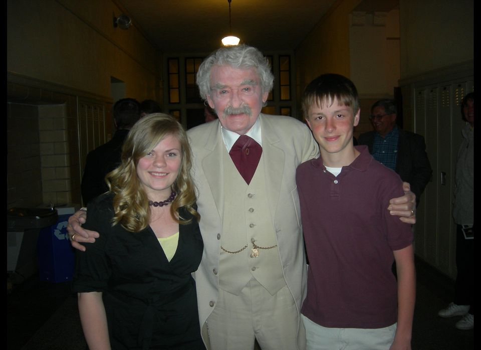 "Hal Holbrook as Mark Twain greets Hannibal's official ""Becky Thatcher"" and ""Tom Sawyer"" for 2010, Paige Cummins and Alex Addi"
