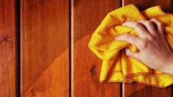Εσείς ξέρατε γιατί τα ξεσκονόπανα είναι συνήθως κίτρινα; (κι όμως κάποιοι ασχολήθηκαν και