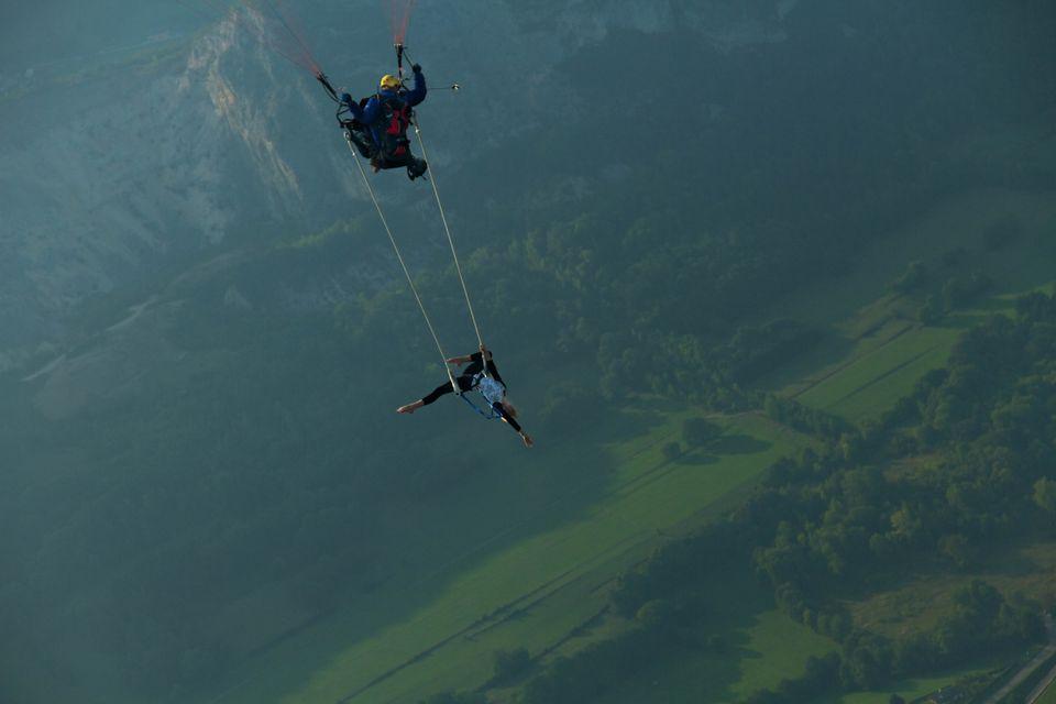 "<a href=""https://www.facebook.com/shamsprod"" target=""_blank"">Paragliding Acrobats</a> by Shams Prod"