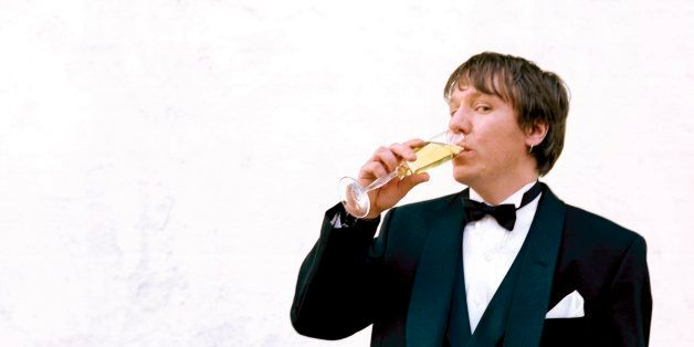 UNITED STATES - APRIL 15:  Photo of Elliott SMITH; Posed portrait of Elliott Smith, drink  (Photo by Steven Dewall/Redferns)